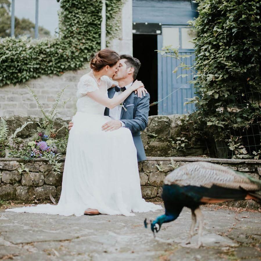 Wunderschöne Hochzeitsbilder auf dem Pfauenhof - weddix