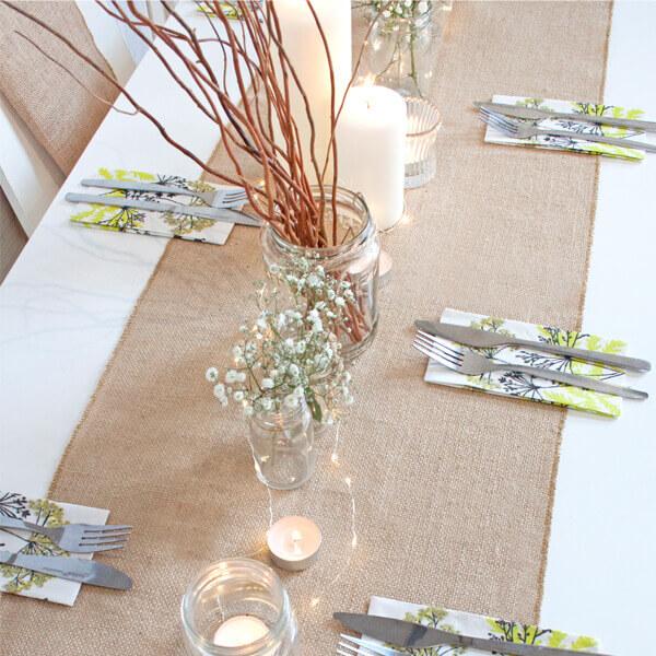 Dekoideen f r die sitzordnung zur hochzeit weddix for Hochzeitstafel deko