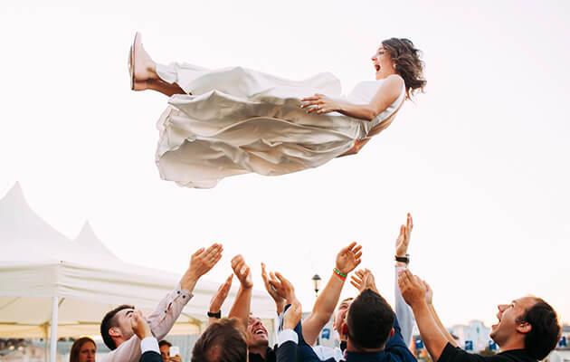 Hochzeitsspiele Lustige Ideen Für Hochzeitsgäste Weddix