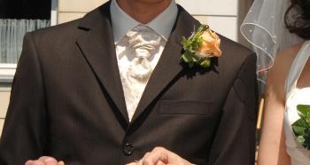 Einstecktuch Und Oder Blumenanstecker Hochzeitsforum Von Weddix De