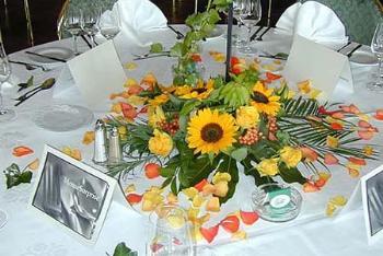 deko ideen mit sonnenblumen hochzeitsforum von. Black Bedroom Furniture Sets. Home Design Ideas