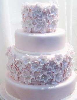 Deko Für Hochzeitstorten Pictures to pin on Pinterest