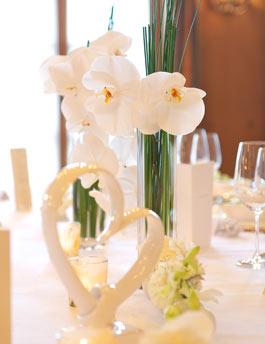 Hochzeitsdeko in creme klassische hochzeit weddix for Hochzeitsdeko creme